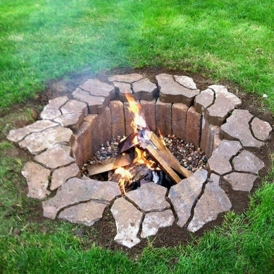 Customize Your Outdoor Spaces - 33 DIY Fire Pit Ideas ... on Backyard Fire Pit Ideas Diy id=59836