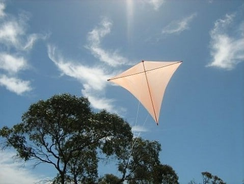 How To Make A Diamond Kite - 35 Summery DIY Projects And Activities For The Best Summer Ever