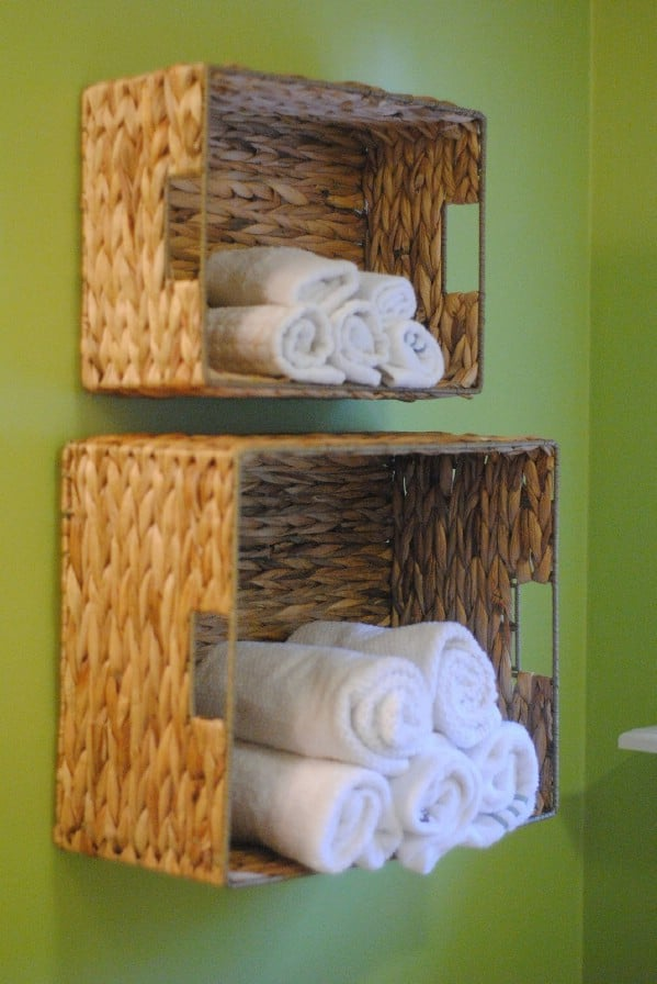 DIY Bathroom Towel Storage in Under 5 Minutes - 30 Brilliant Bathroom Organization and Storage DIY Solutions