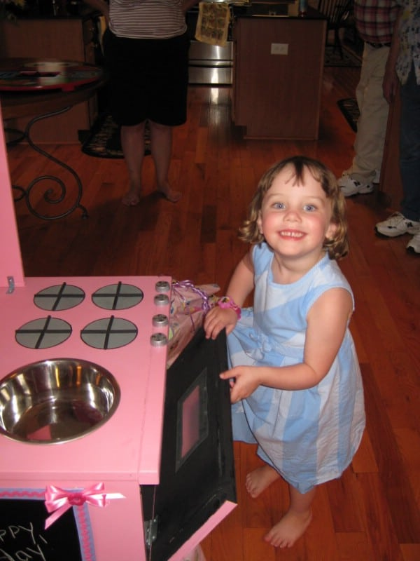 Cute DIY Homemade Play Kitchen - Top 60 Furniture Makeover DIY Projects and Negotiation Secrets