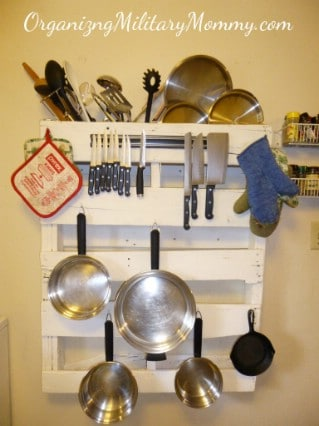 Linen Closets furthermore Diy Pantry as well Hanna Tv Teen Model Yellow Striped further 15 Creative Ideas To Organize Pots And Pans Storage On Your Kitchen additionally 115077741. on kitchen pantry organizers