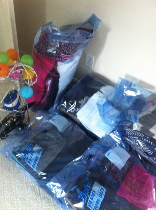 Organize Your Dorm Room with Ziploc Bags - 150 Dollar Store Organizing Ideas and Projects for the Entire Home