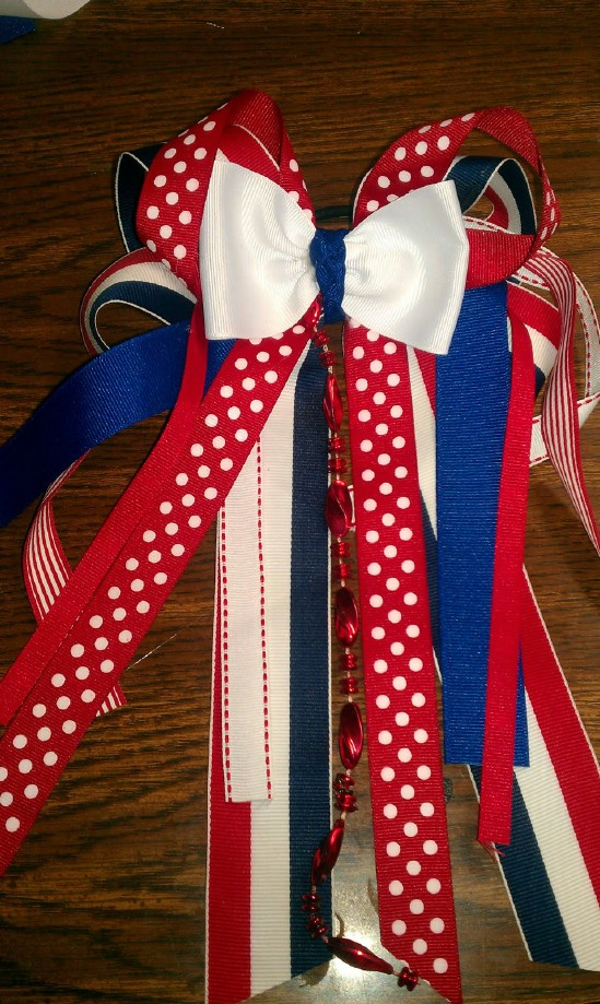 Cheerleader Bows - 30 Fabulous and Easy to Make DIY Hair Bows