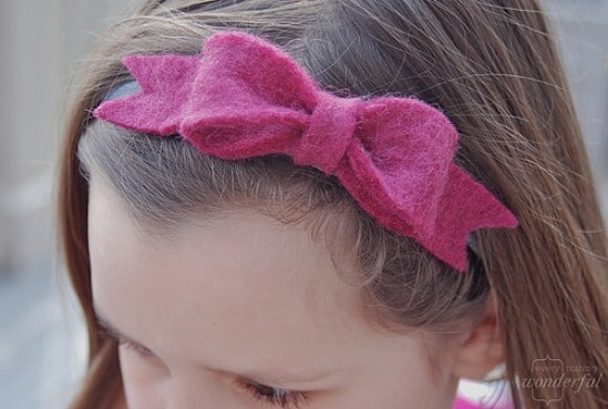 Felt Bow - 30 Fabulous and Easy to Make DIY Hair Bows