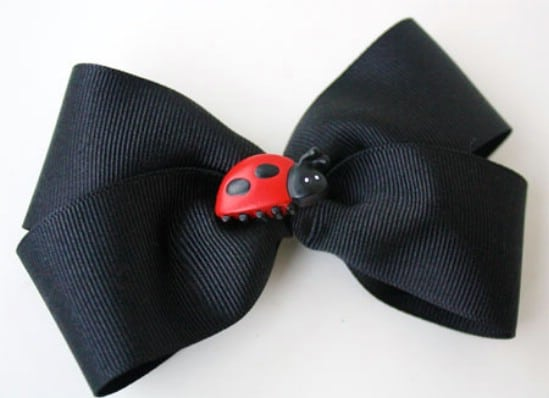 Easy Button Bow - 30 Fabulous and Easy to Make DIY Hair Bows