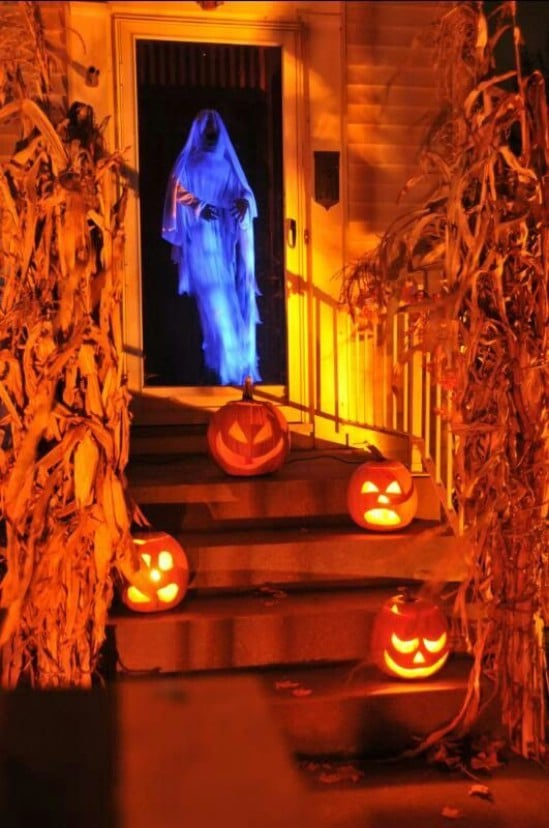 spooky door greeter 40 easy to make diy halloween decor ideas