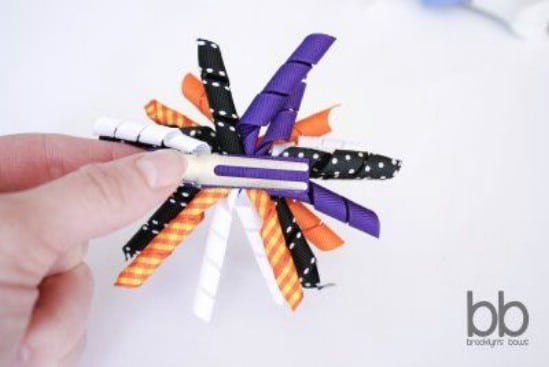 Halloween Korker Bows - 30 Fabulous and Easy to Make DIY Hair Bows