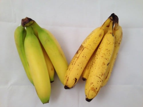 Wrap Bananas Before Storing - 40 DIY Tricks To Make Your Groceries Last As Long As Possible