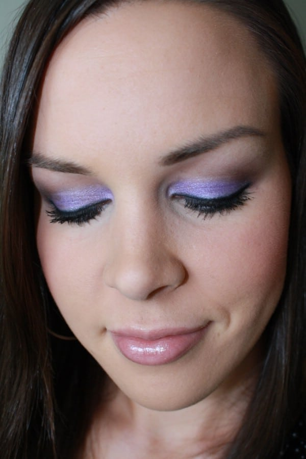 White Eye Shadow Makes Eyes Stand Out - 40 DIY Beauty Hacks That Are Borderline Genius