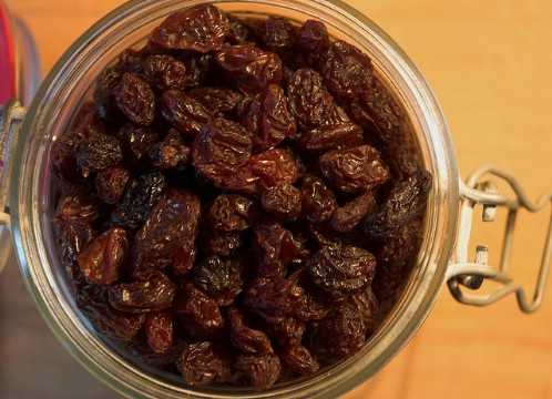 Store Raisins in a Jar - 40 DIY Tricks To Make Your Groceries Last As Long As Possible