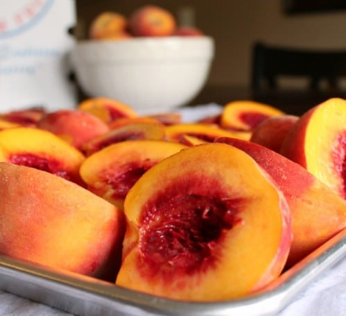 Orange Juice Keeps Peaches Fresh - 40 DIY Tricks To Make Your Groceries Last As Long As Possible
