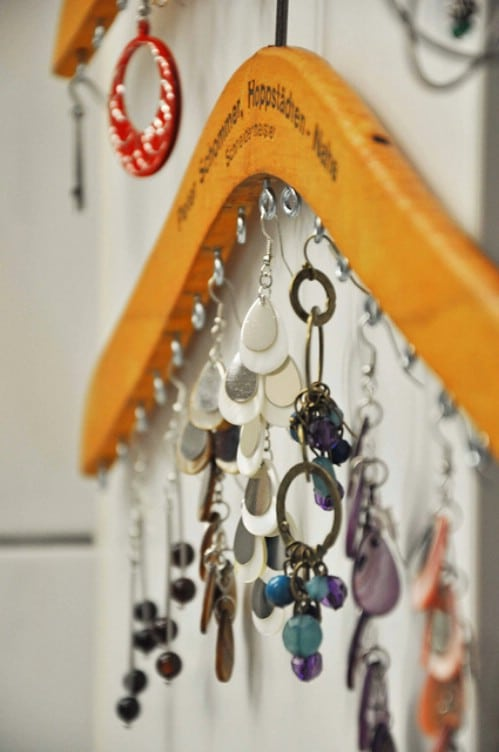 Jewelry Organizer - 20 Creative Ways to Organize and Decorate with Hangers