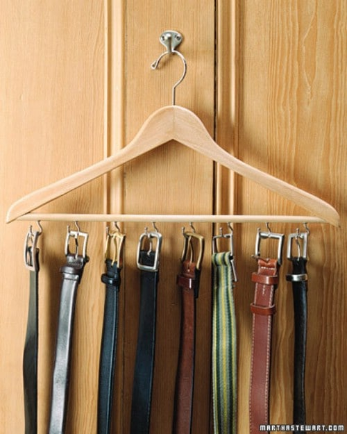20 creative ways to organize and decorate with hangers - Perchas pantalones ikea ...