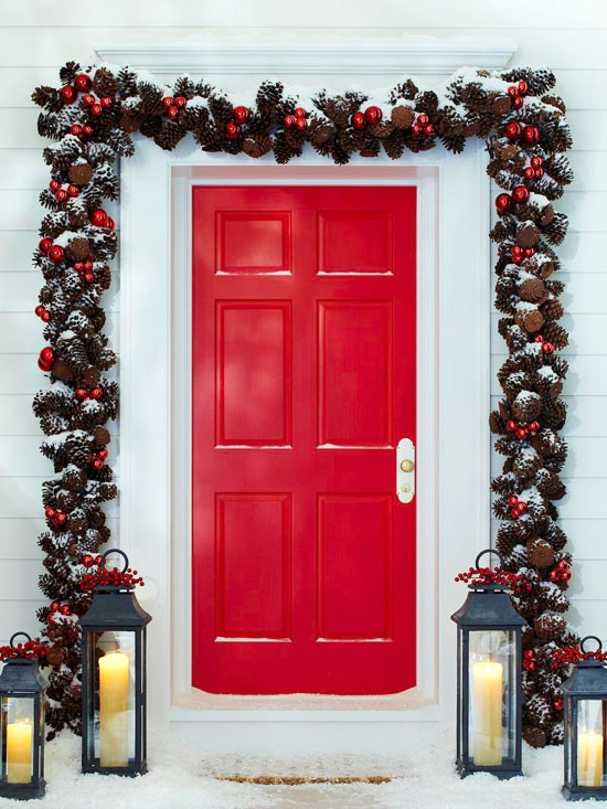 Pinecone Garland   60 Beautifully Festive Ways To Decorate Your Porch For  Christmas