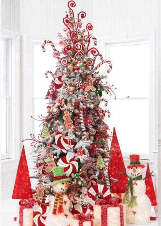 source christmasdecoratingtreat candy cane inspired 30 stunning ways to decorate your living room this christmas - Christmas Decoration Theme Ideas