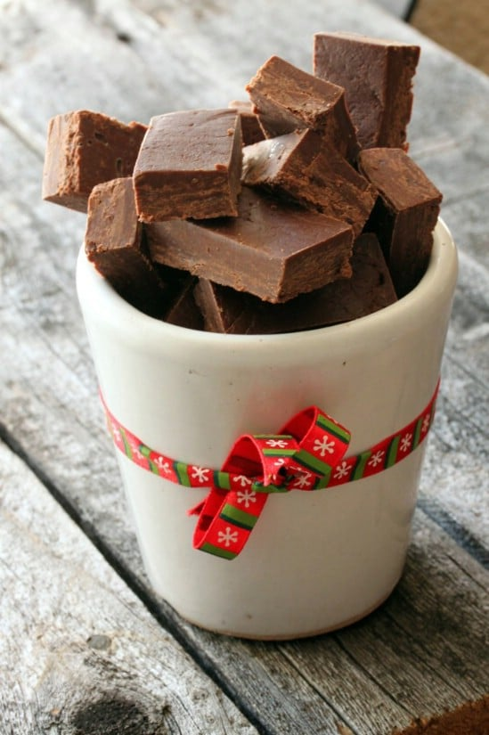 Traditional Chocolate Fudge - 25 Yummy Homemade Christmas Candy Recipes