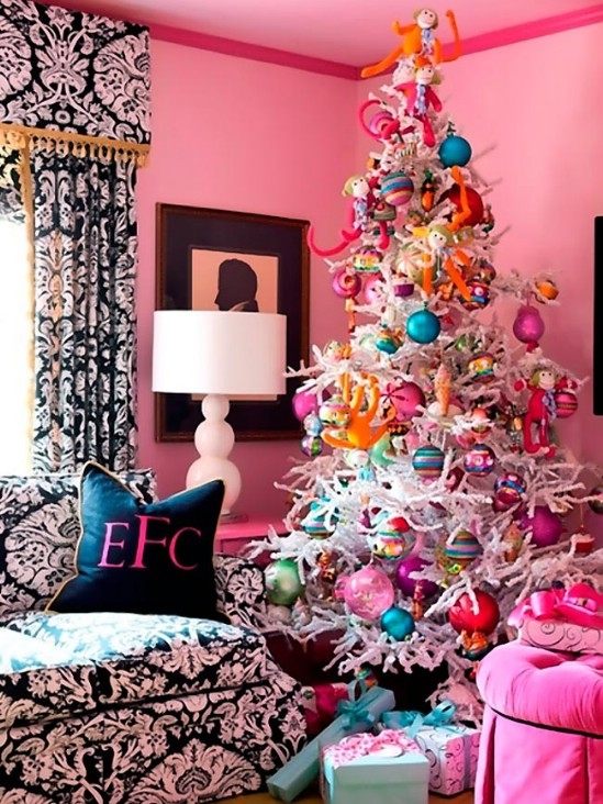 source femaleways bold and colorful 30 stunning ways to decorate your living room this christmas - Christmas Room Decor