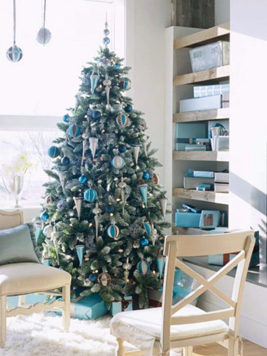 Think Blue - 30 Stunning Ways to Decorate Your Living Room This Christmas