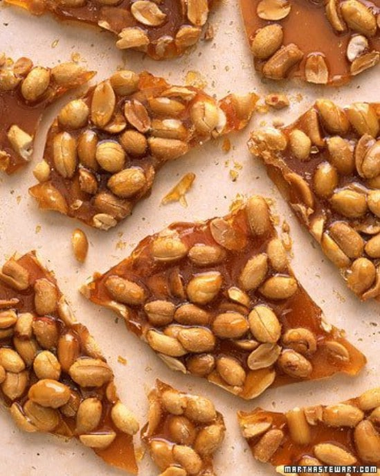 Peanut Brittle - 25 Yummy Homemade Christmas Candy Recipes