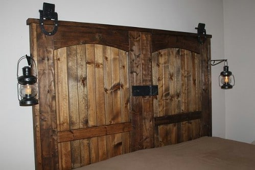 Source U2013 Oldworldgardenfarms Rustic Headboard   40 Rustic Home Decor Ideas  You Can Build Yourself