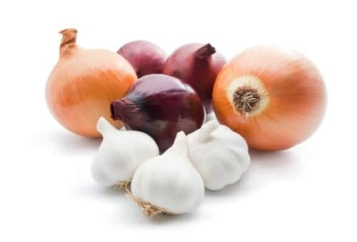 11. Onions - 25 Foods You Can Re-Grow Yourself from Kitchen Scraps