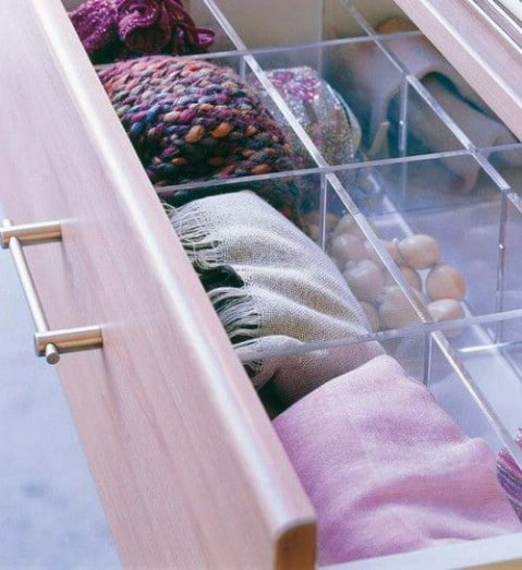 40 brilliant closet and drawer organizing projects diy crafts source livesimplybyannie jewelry organizer for scarves solutioingenieria Images