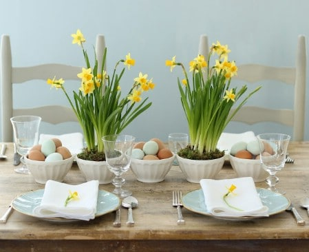 Daffodil Centerpiece - 40 Beautiful DIY Easter Centerpieces to Dress Up Your Dinner Table