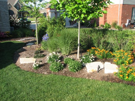 Build A Berm - 150 Remarkable Projects and Ideas to Improve Your Home's Curb Appeal