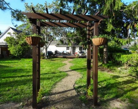 Build An Arbor - 150 Remarkable Projects and Ideas to Improve Your Home's Curb Appeal