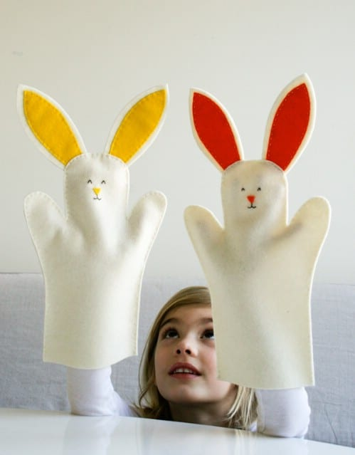 Bunny Hand Puppets - 80 Fabulous Easter Decorations You Can Make Yourself