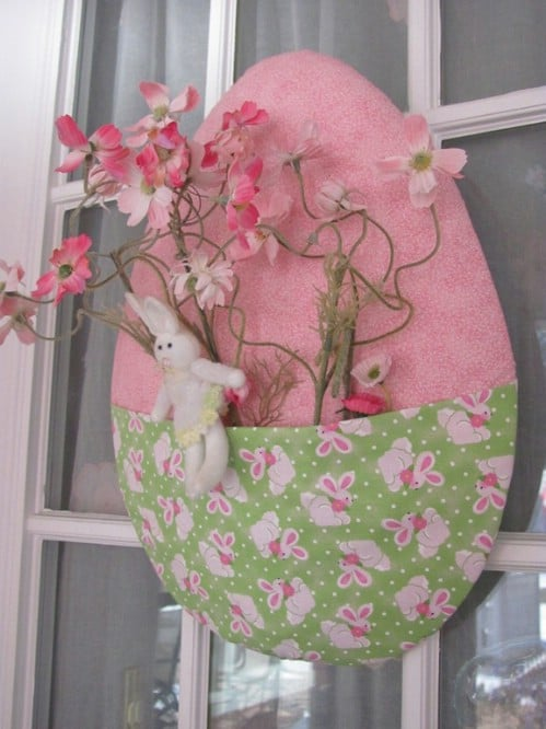 Easter Egg Door Décor - 80 Fabulous Easter Decorations You Can Make Yourself