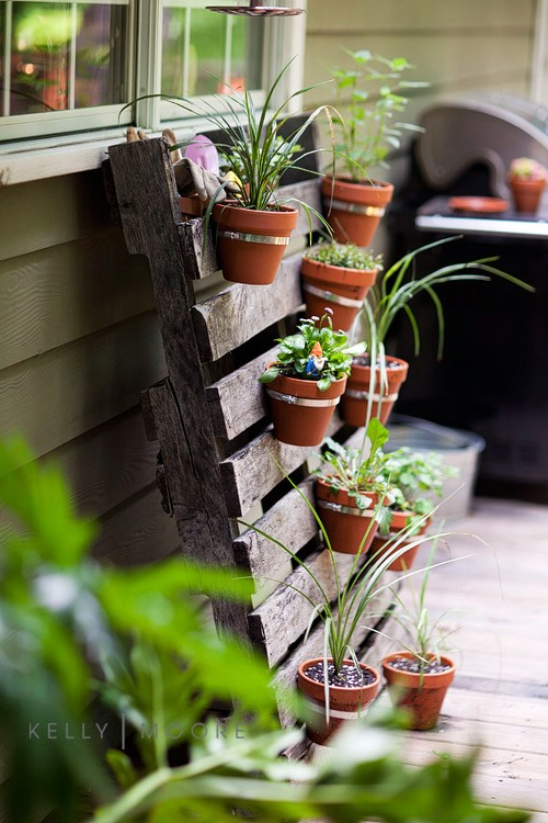 vertical pallet garden 40 genius space savvy small garden ideas and solutions - Garden Ideas In Small Spaces