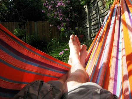 Build A Hammock - 150 Remarkable Projects and Ideas to Improve Your Home's Curb Appeal