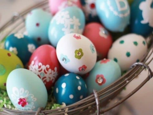 Bubble Wrap Easter Eggs - 80 Creative and Fun Easter Egg Decorating and Craft Ideas