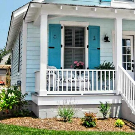 Go Coastal - 150 Remarkable Projects and Ideas to Improve Your Home's Curb Appeal