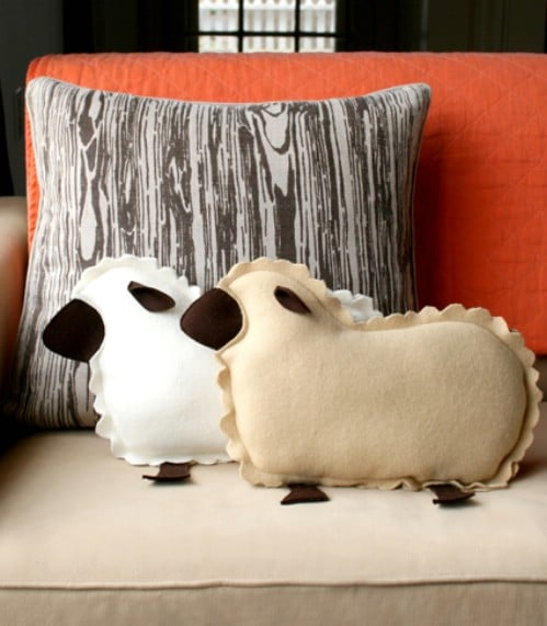 Lamb Pillows - 80 Fabulous Easter Decorations You Can Make Yourself