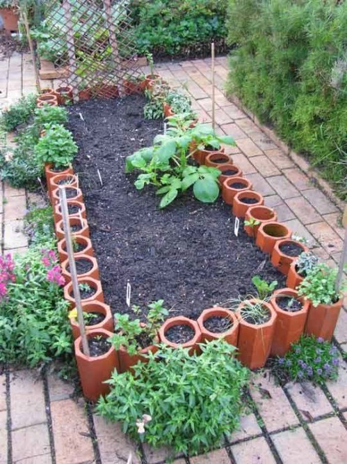 Attractive Formed Terra Cotta Gardens   40 Genius Space Savvy Small Garden Ideas And  Solutions