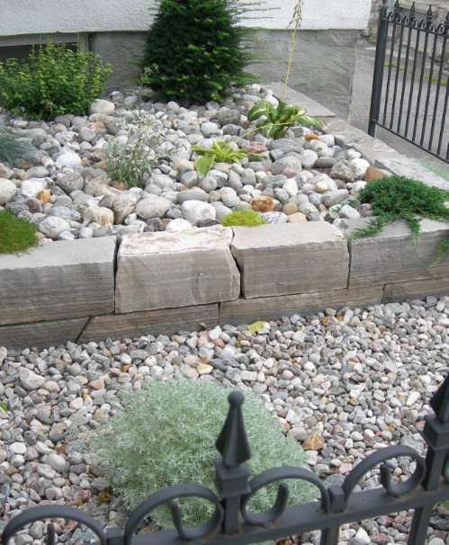 Decorative Stones For Flower Beds : Beautiful and easy diy flower beds to brighten your