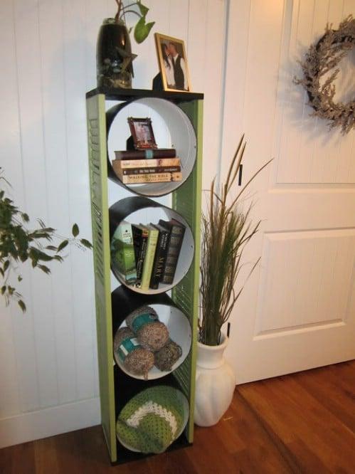 $7 DIY Bookshelf