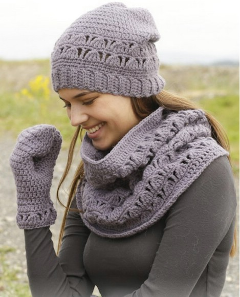 26 cozy diy infinity scarves with free patterns and instructions infinity scarf hat and mitten set dt1010fo