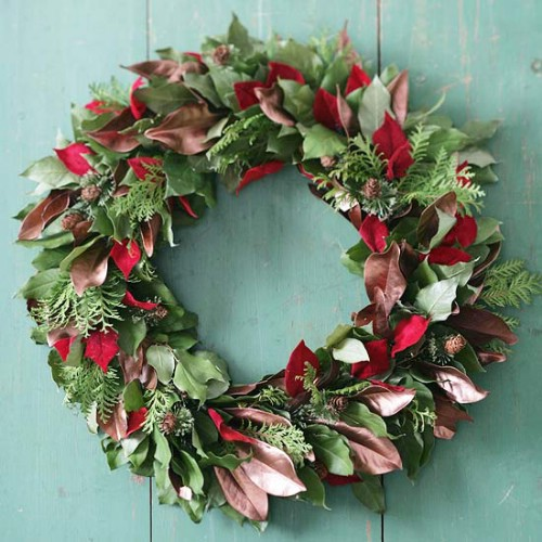 this bushy wreath is a stunning natural looking addition to any door we love the full look of it and the fact that you have the freedom to play around