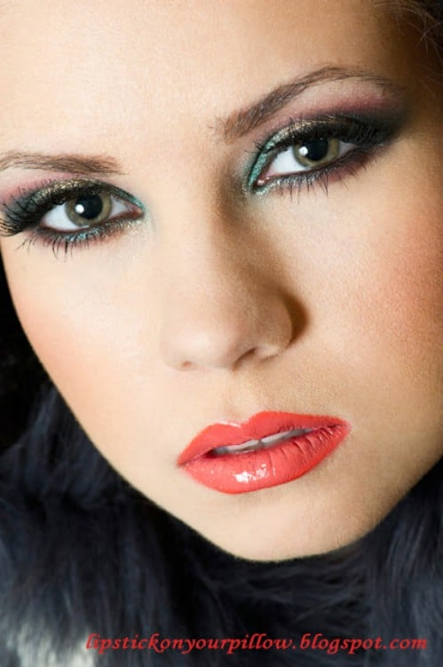 10 Stylishly Festive Christmas Makeup Ideas