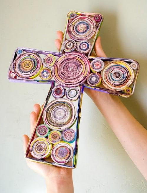 Magazine Cross - 20 Genius DIY Recycled and Repurposed Christmas Crafts