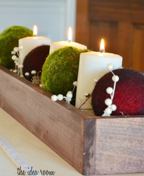 21 beautifully festive christmas centerpieces you can easily diy simple candle box solutioingenieria Images