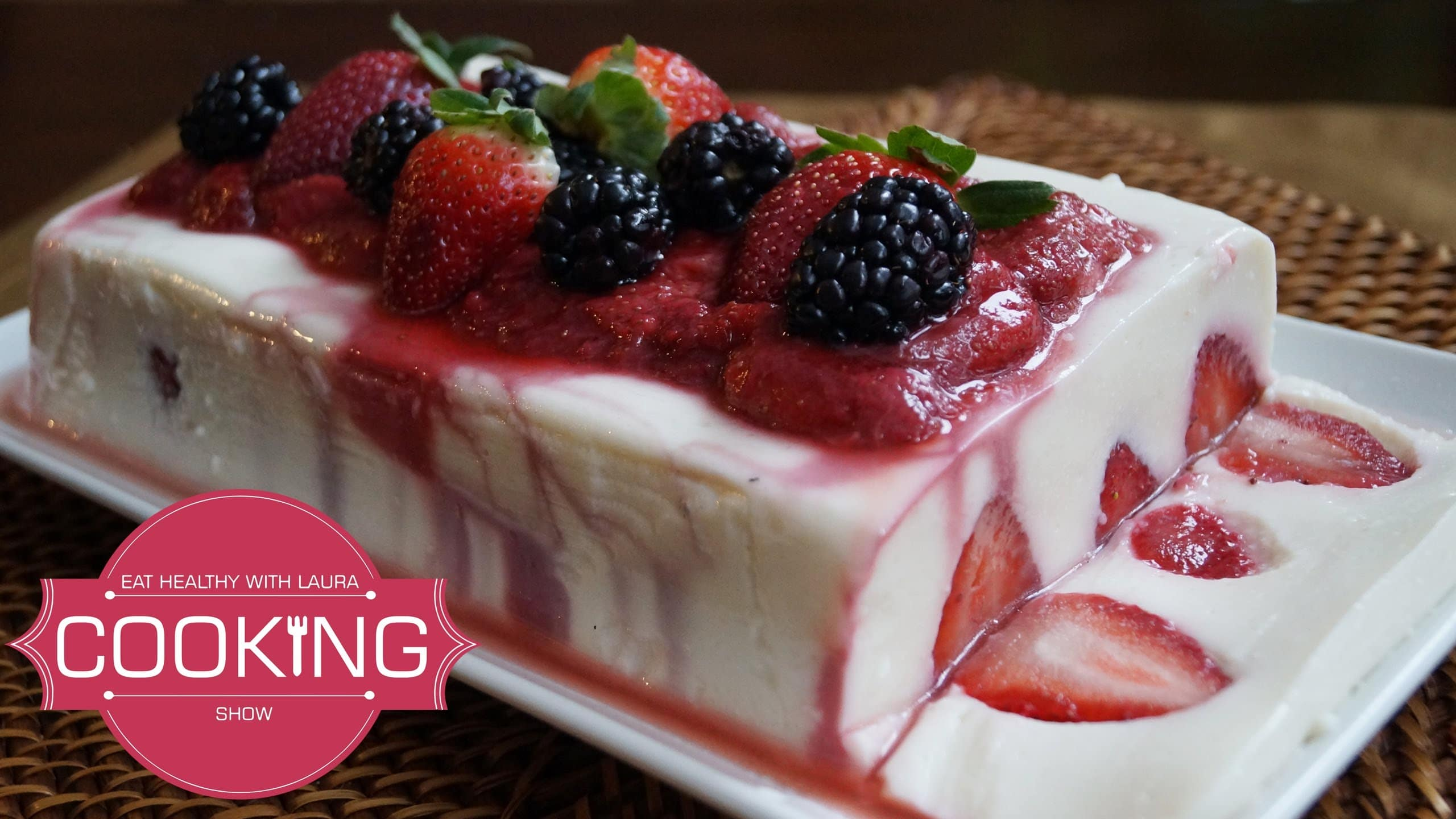 Strawberry Cake Recipe With Jelly: Deliciously Healthy Low-Fat Yogurt And Strawberry Dessert