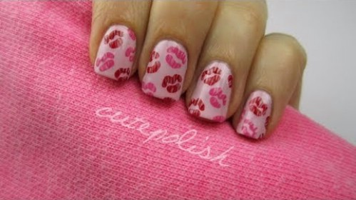Give Me a Kiss - 20 Ridiculously Cute Valentine's Day Nail Art Designs