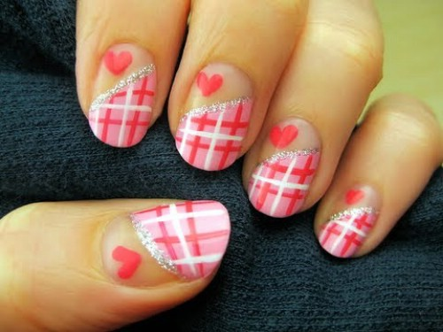 Plaid Hearts - 20 Ridiculously Cute Valentine's Day Nail Art Designs