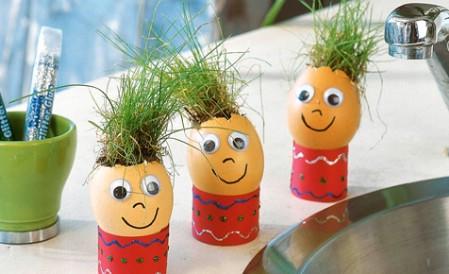 Easter grass eggheads
