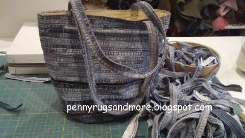 Make a denim bag out of seams.