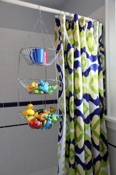 Store bath toys the easy way.